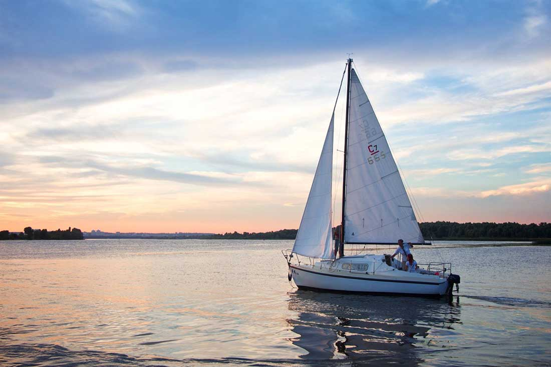 Board tour - Sailing on the Dnieper