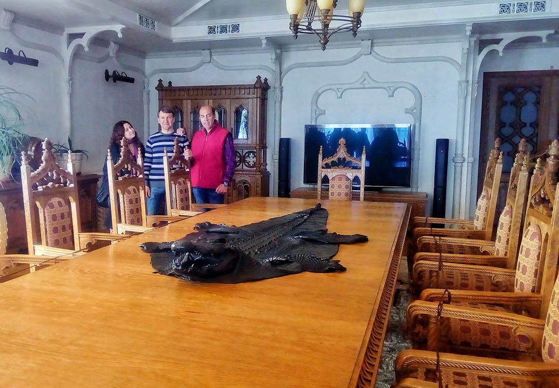 VIP Mezhyhirya tour inside the Ex-President`s House
