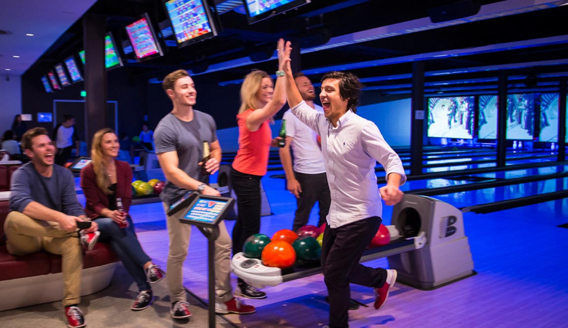 Day with a friend tour - bowling