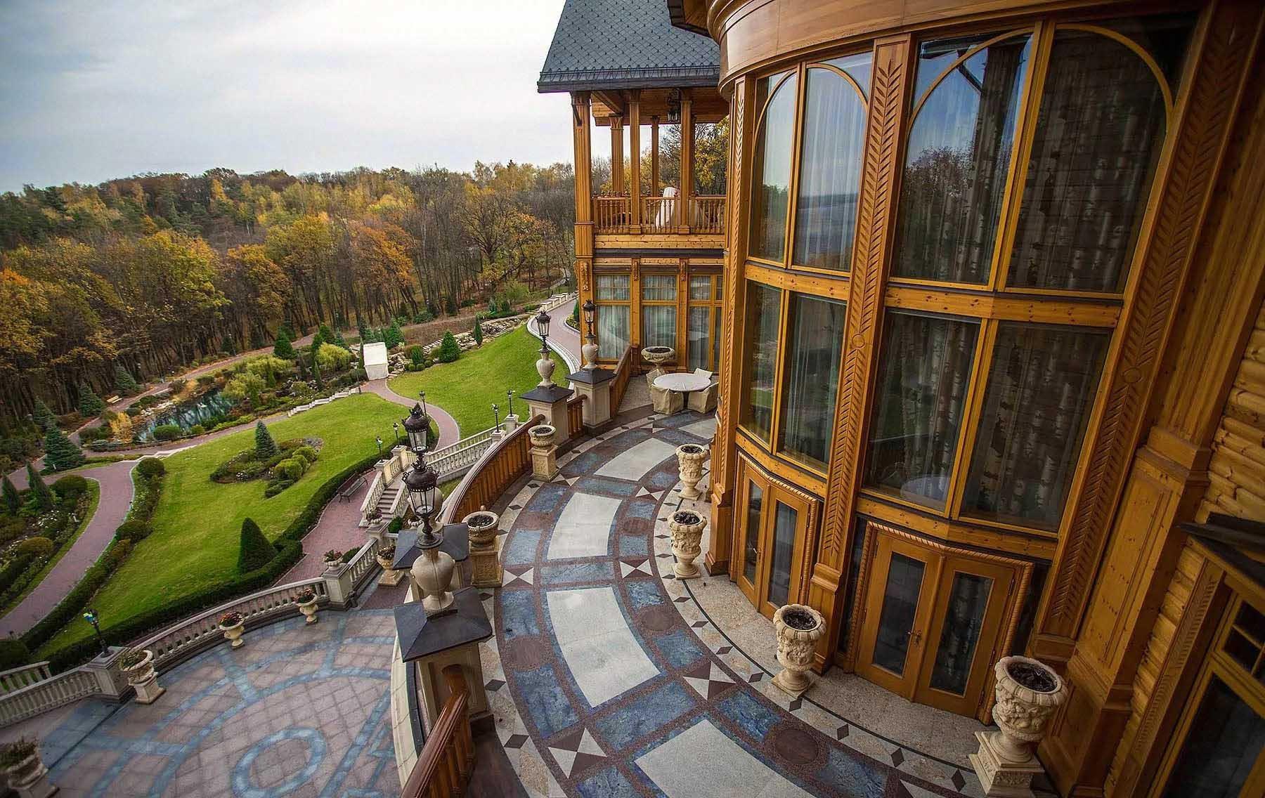 ex-president`s Residence Mezhygorye
