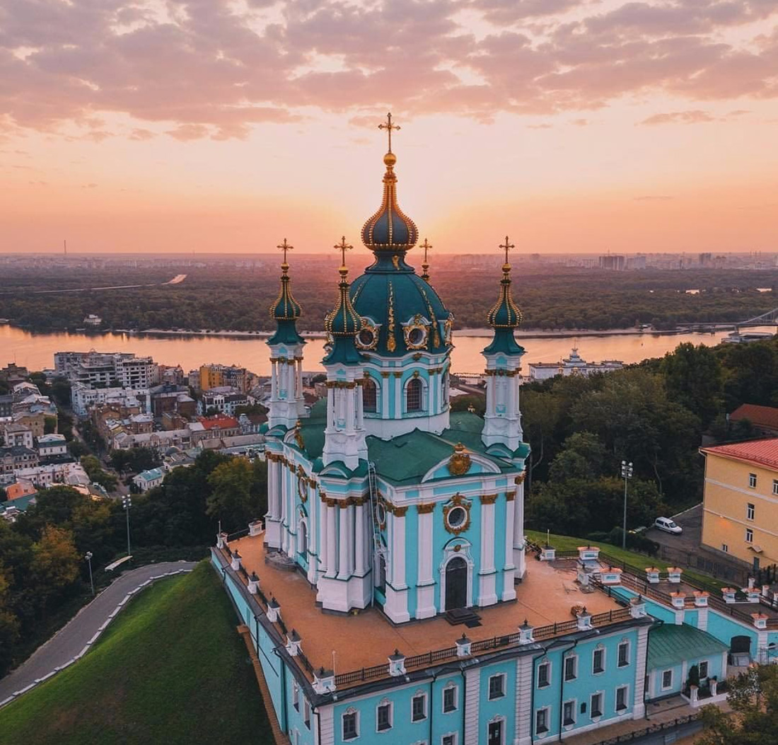 Religious Kiev Tour with KievInsiders agency (the main picture)
